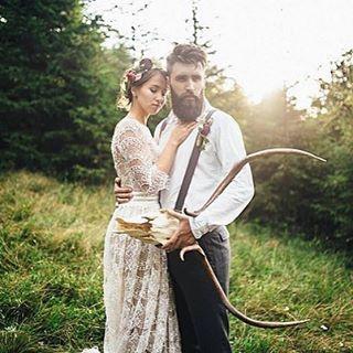 МскСвадебные Платья (@wedding_and_co) в Instagram: «Свадебное платье в стиле Бохо - ммм, нежное кружево на основе цвета капучино (либо айвори на выбор)…»