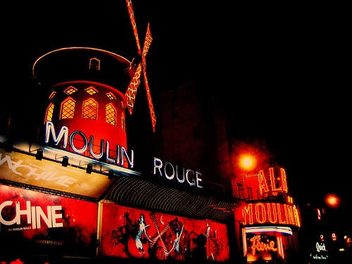 Moulin Rouge #moulin #rouge #paris #midnight #cabaret #cityvision