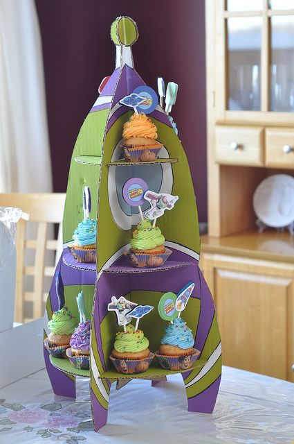 Buzz Lightyear cupcake stand