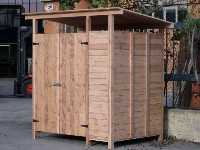 Tettoia in legno autoportante indipendente uno dei for Box per cavalli fai da te