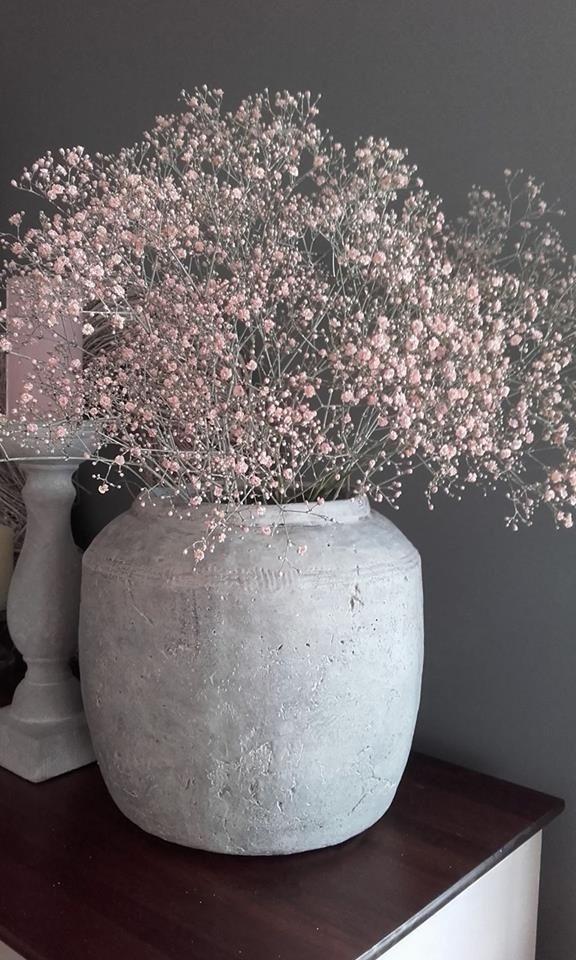 Blumentopf mit Blumen als Verzierung auf … #Hom…