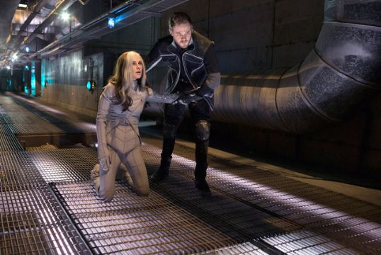 'Iceman' Helps 'Rogue' In New Still From X-MEN: DOFP - THE ROGUE CUT