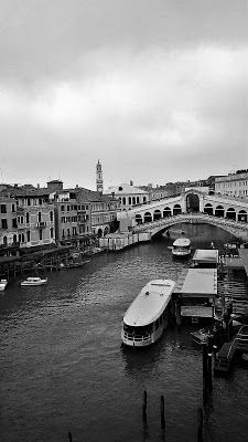 Private tours in Venice, information, photos, art exposition.: Rialto bridge
