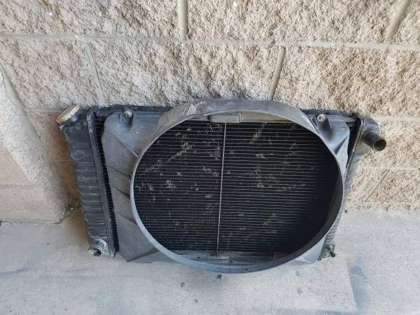 79-93 Mustang & Other Fox Body OEM Ford Radiator & Fan Shroud – auto parts – by owner