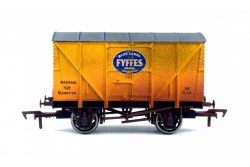 Dapol 4F-016-111 Banana Van Fyffes Yellow B240735 Weathered - OO Scale: Rolling Stock Freight, Brake Vent and Box Vans.  Your Price: £10.08 MRP: £11.85 Save £1.77 (15%)