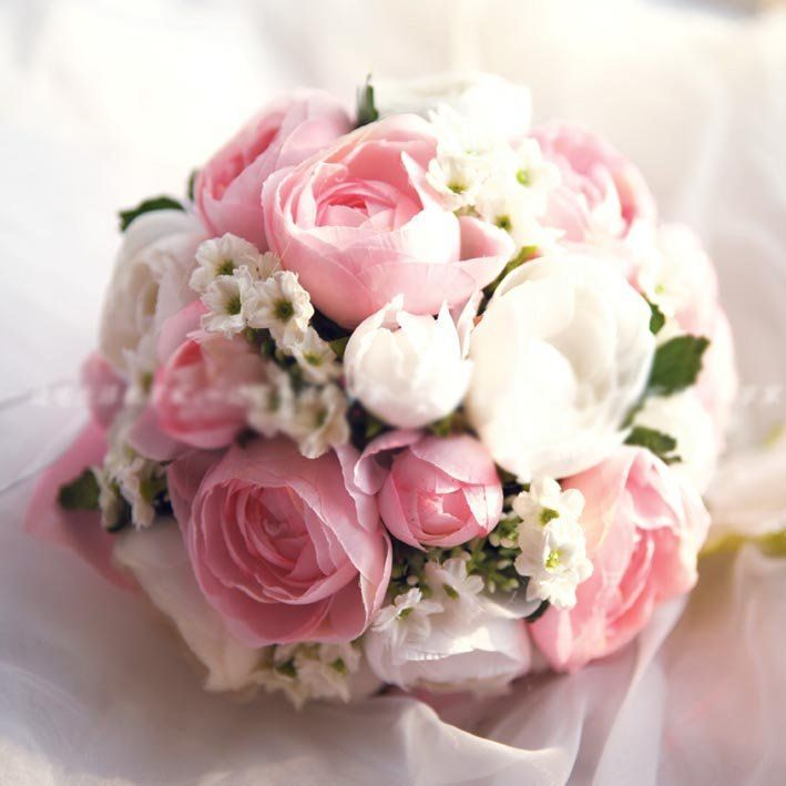 This is really pretty! Camelia bouquet: