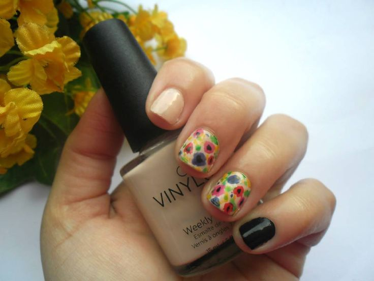 #easternails  Ασφαλώς και για το πασχαλινό μου μανικιούρ θα επέλεγα λουλούδια σε ένα λίγο πιο αφηρημένο μοτίβο! . . . #diaryofabeautyaddict #elbeautythings #nails #notd #nailsoftheday #nailart #flowernails #nailblogger #nailstagram #nailsbyme #nailsdesign #nbloggers #greekblogger #greekbloggers #bbloggersgr #bbloggers #beautyblogger #fbloggers #lbloggers #bestylishlybeautiful #nailslove #naillife #naillover #nailsaddict #naildesigns #springnails #nails2inspire #nailpromote