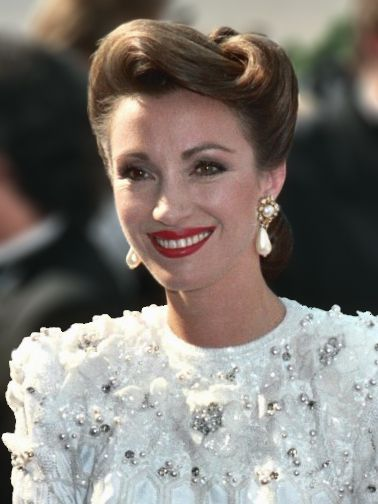 Jane Seymour in 1988 faux pearls/....First it was jewelry, then painting, now she's trying her hand at designing costumes. Multi-talented lady, who seems top excel at everything she picks up.