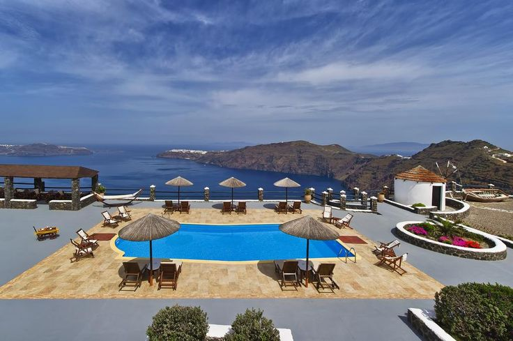 Caldera's Memories    Caldera's Memories is positioned on the edge of Santorini's Caldera cliffs in Imerovigli. It offers well-appointed apartments with free wireless internet access and continental breakfast included.