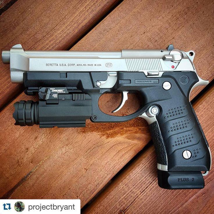 Beretta 92FS.