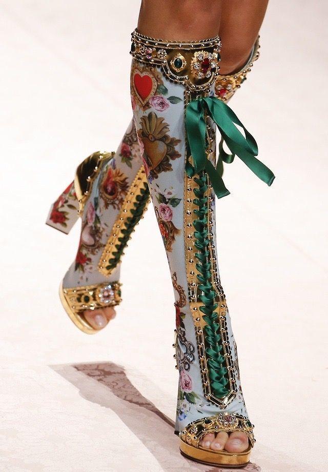 Dolce & Gabbana S/S 2019 Runway Details  #details #dolce #gabbana #runway