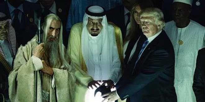 BONN (BafmW) - Dem Amt wurden Fotos zugespielt, die zunächst nur einen weißbärtigen alten Mann mit Stab, einen König und einen bekannten US-Troll zeigten.
