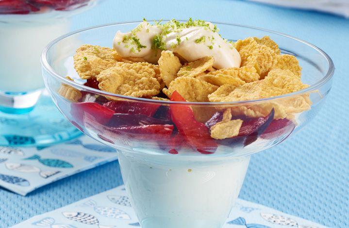 Comparte una tarde en familia con esta dulce receta: Crema helada de limón. #LaLechera