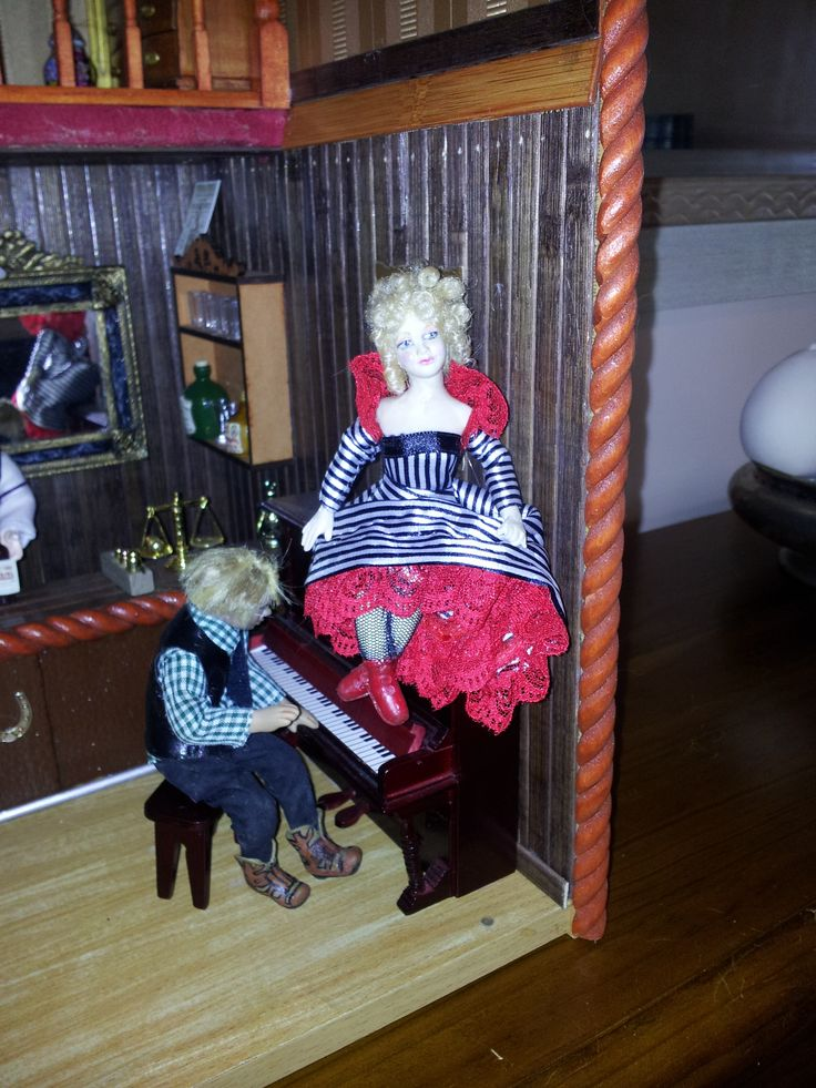 Barbara Sweeney made these dolls