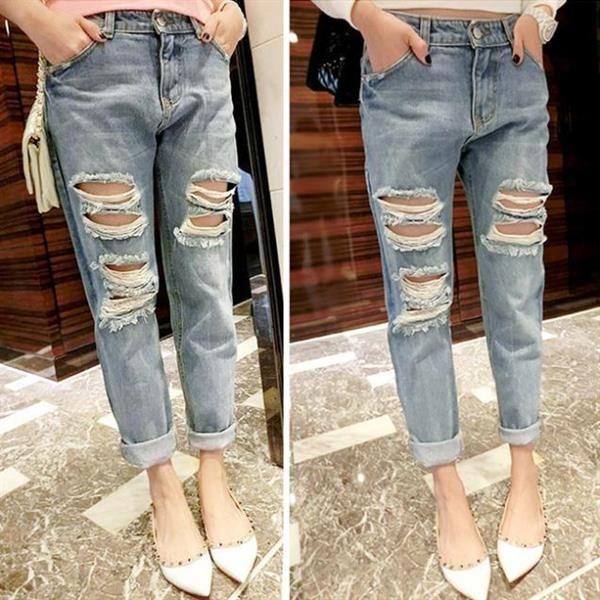 Парень в обрезанные джинсы