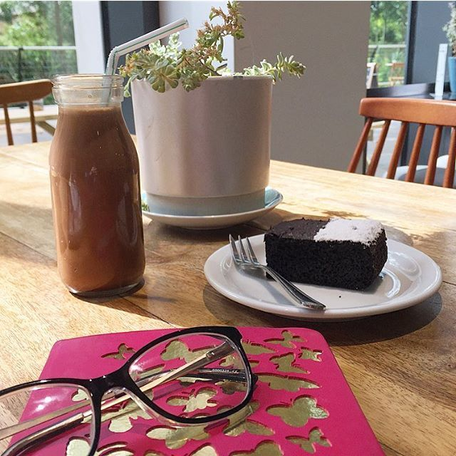Work from home always calls for a trip to a coffee shop ☕️ 💻  Nutella mocha and healthy brownie 🍴