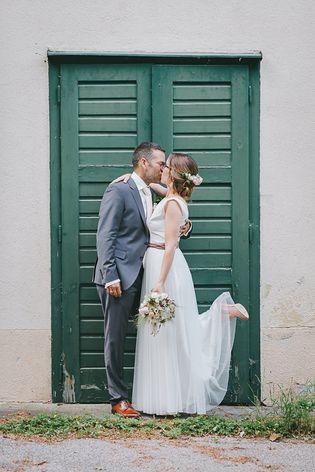 Brautkleid vintage, schlicht und fließend (Foto: Anna Obermeier)