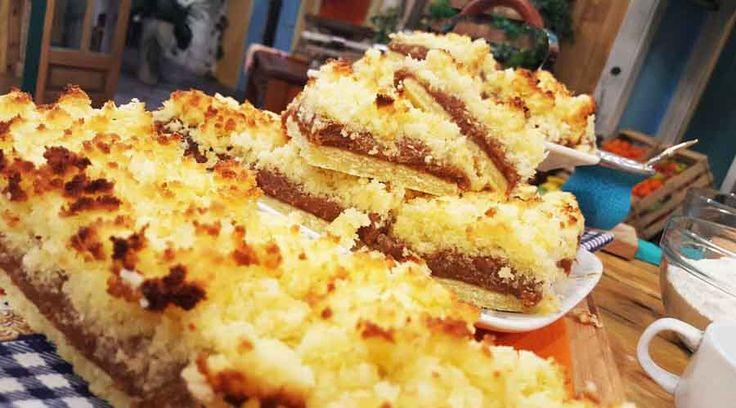 Cuadrados de dulce de leche y coco de panadería
