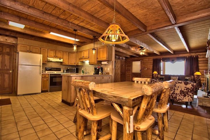 Poconos heaven Rustic Log Cabin in Magical Setting - Cabins for Rent in Tobyhanna