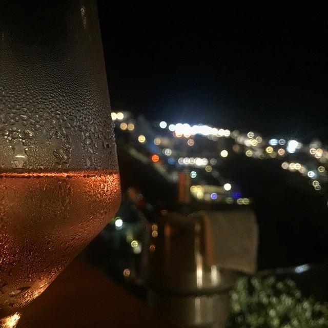 A glass of memories.. #Santorini #AndronisExclusive Photo credits: @sveinesund