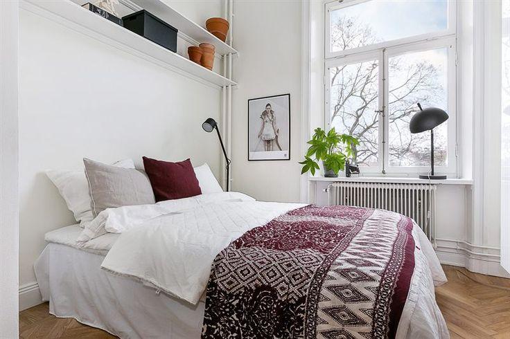 Sovrum med plats för riktig dubbelsäng