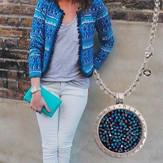 We love this cozy look with our popular Nikki Lissoni Australia 'Blue Rock Crystal' coin. Perfect combination for a weekend of delightful wandering through the city. #NikkiLissoniau #jewellery #brand #australia #howtowear #weekend #trends #fashion #ootd #sparkly #coin #necklace #blues #love #shiny #meaningful jewels