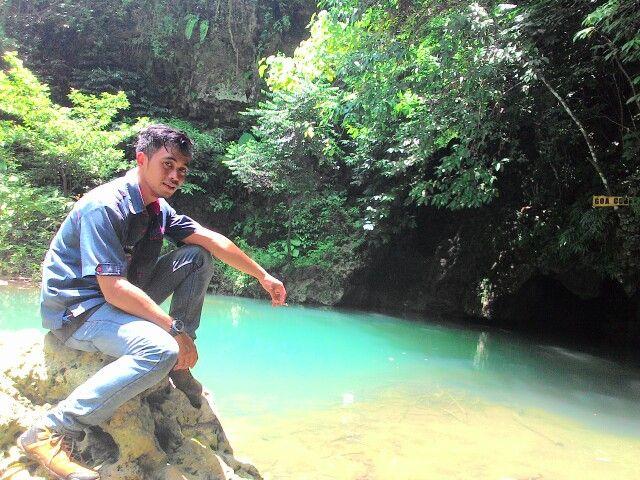 Sungai bawah tanah, berada di Malang selatan, dikenal dengan nama goa coban