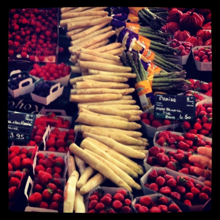 Farmers market in Cannes. Organic and very good.