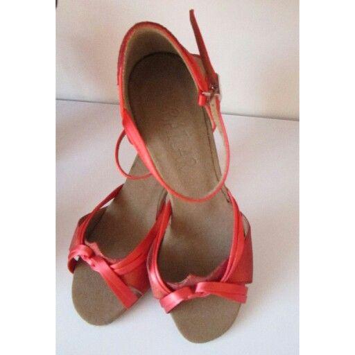 scarpe da ballo rosse , http://www.axpra.com/epages/38205.sf/it_IT/?ObjectPath=/Shops/38205/Categories/OFFERTE