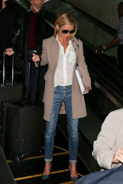 Kelly Ripa Photos: Kelly Ripa Arrives at LAX
