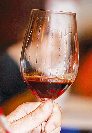 VISIT GREECE| Vinsanto #wine, a #product coming from #Santorini