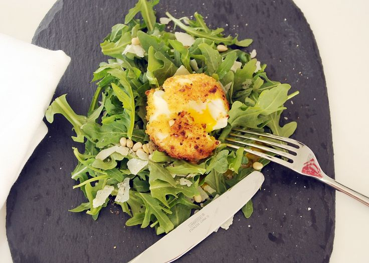 Parmesan crusted egg: Soft Boiled Eggs, Crusts Amazing, Eggs Salad, Permesan Crusts, Fries Eggs, Egg Salad, Parmesan Crusts, Crusts Eggs, Parmesan Crusted