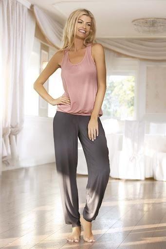 Пижамы женские длинные штаны и майка