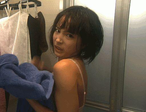 広瀬すず(16)の現役JKボディがたまらんwww顔かわいすぎだろwww【エロ画像】