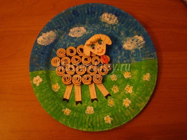 декоративное панно из бересты. Маленькая овечка