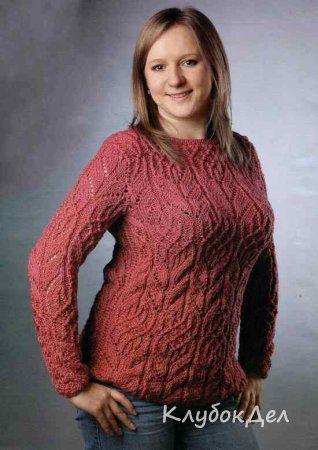 Брусничный пуловер с ажурным узором