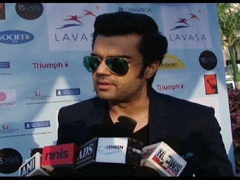 Manish Paul at Lavasa Women's Drive Compaign.
