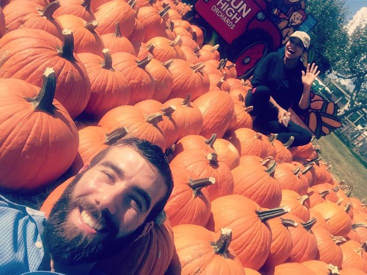 Basking in the sun with them pumpkins and that pumpkin @amandalynnbottoms Happy Thanksgiving to you! #gonefishing #outdoors #motivation #hiking #love #opera #classical #supersunday  #familyday #mountaneering #inspiration #photography #food @phillymag #canadian #canadianopera #philly #philadelphia #bassbaritone #curtisinstituteofmusic #philadelphiaeagles #eagles #raptors #armenian #inspiration #opera #photography #food #sports #fitness #triathlon #toronto #tdot #love #passion