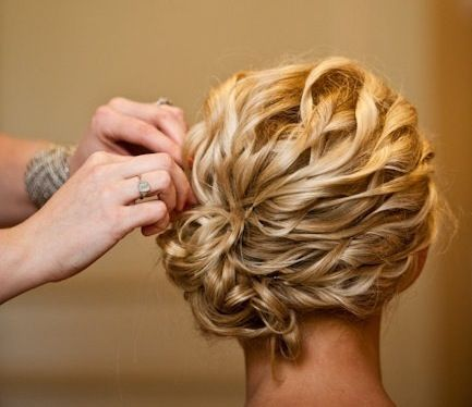 I should go have my hair styled like this!!!