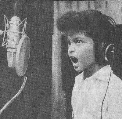 yeah...this is the Mars at age 5 singing Michael Jackson. what a stud.