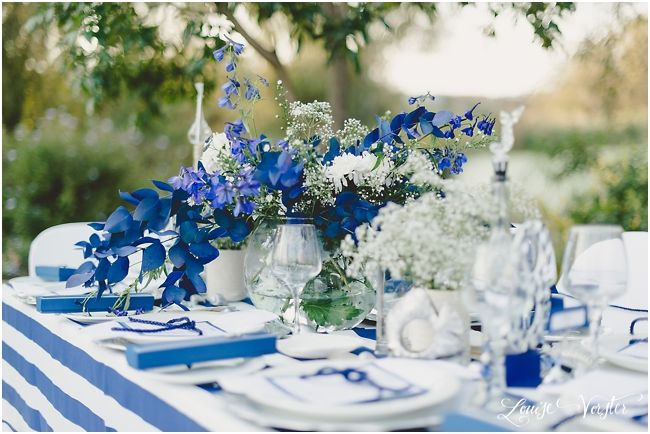 Another view of the blue and white table