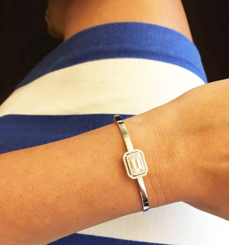 Absolute basics, my blue Summer navy dress and an Emerald cut Danelian Diamond classic bracelet!