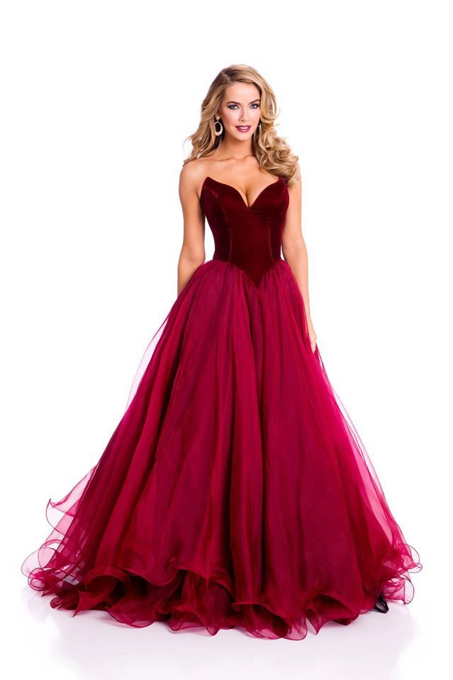 Olivia Jordan, Miss Oklahoma USA 2015 and Miss USA 2015, strapless red velvet and tulle evening gown (2015 Miss Universe Pageant evening gown shot)