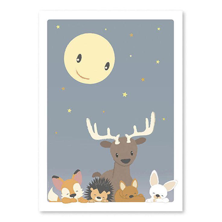 Poster vriendjes in de maneschijn. In het licht van de maan houden deze lieve bosdierenvriendjes je ook 's nachts graag gezelschap. Sssst, niet wakker maken hoor, kijk ze eens lekker slapen! Afmeting 50 x 70cm, Kinderkamer babykamer decoratie bosdieren dieren nacht maan