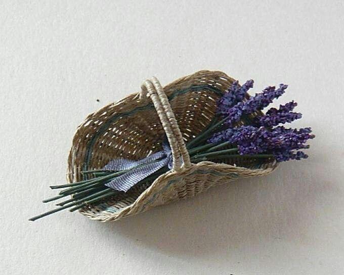Lavender basket 1/12 scale by Genziana Bellè