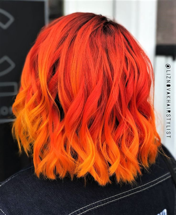 Sunset Orange hair dye with a few drops of Cosmic Sunshine hair dye by liznovakhairstylist - #haircolor #hairdye #hairstyle