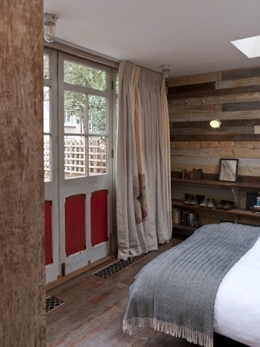 Shed Style: Garden Cabin Guest House by Retrouvius | Apartment Therapy