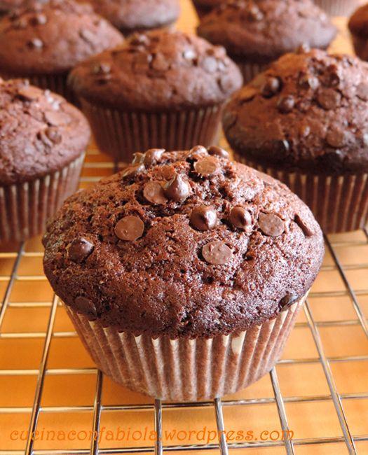 Muffins al Doppio Cioccolato http://cucinaconfabiola.wordpress.com/2014/07/21/muffins-al-doppio-cioccolato/#more-1047 #lovescucchiaio