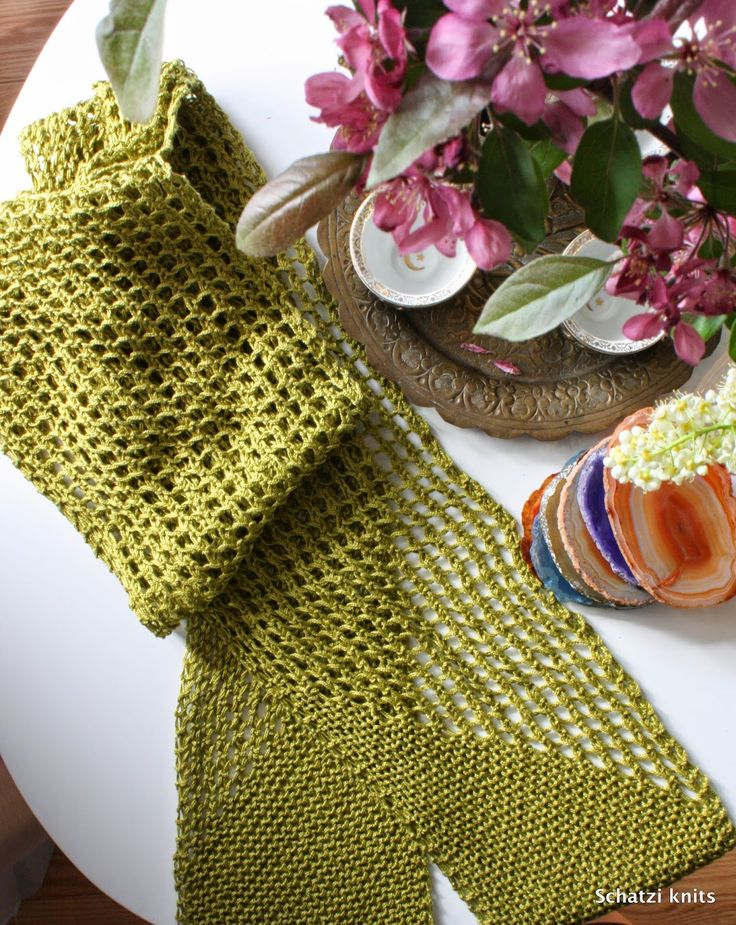Blogged @ Schatzi's knits: Strathcona, a summer scarf