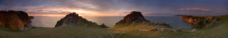 И целого Байкала мне мало .... Озеро Байкал, остров Ольхон, мыс Левый-Шунтэ, панорама (26 вертикальных кадров) 24 мм, примерно 330 градусов. #озеро #байкал #остров #ольхон #скалистый #берег #lenchik&fanizzz #мыс #левый #шунтэ #скала #камни #берег #рассвет #небо Автор: Лена
